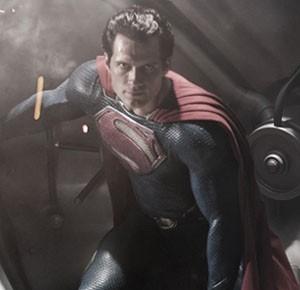Henry-Cavill-as-Superman-in-Man-of-Steel-Teaser
