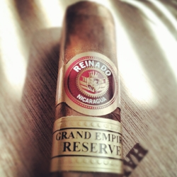 Reinado Grand Empire Reserve