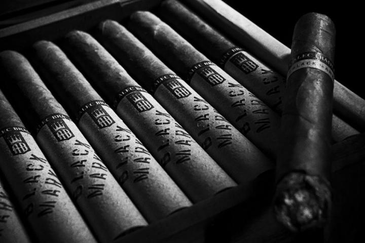 Alec Bradley Black Market Robusto cigars box