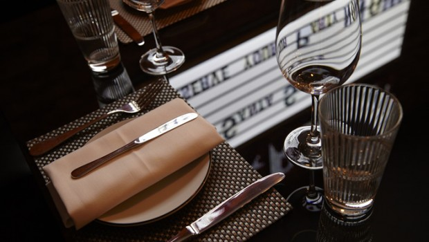 Strip Place Setting